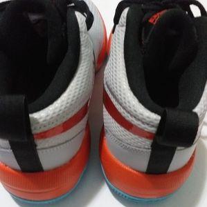 Nike Shoes - BOYS NIKE HUSTLE /7Y / 8.5women